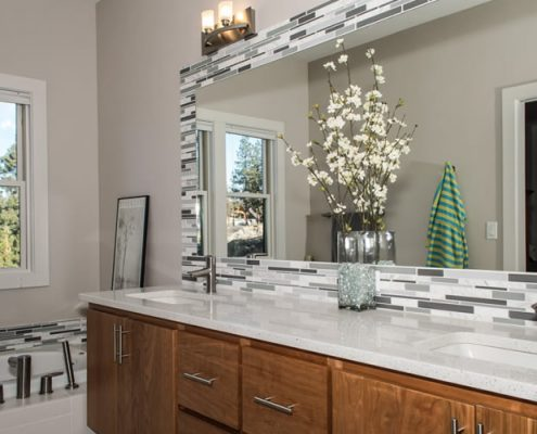Mt Shasta – Master Bathroom